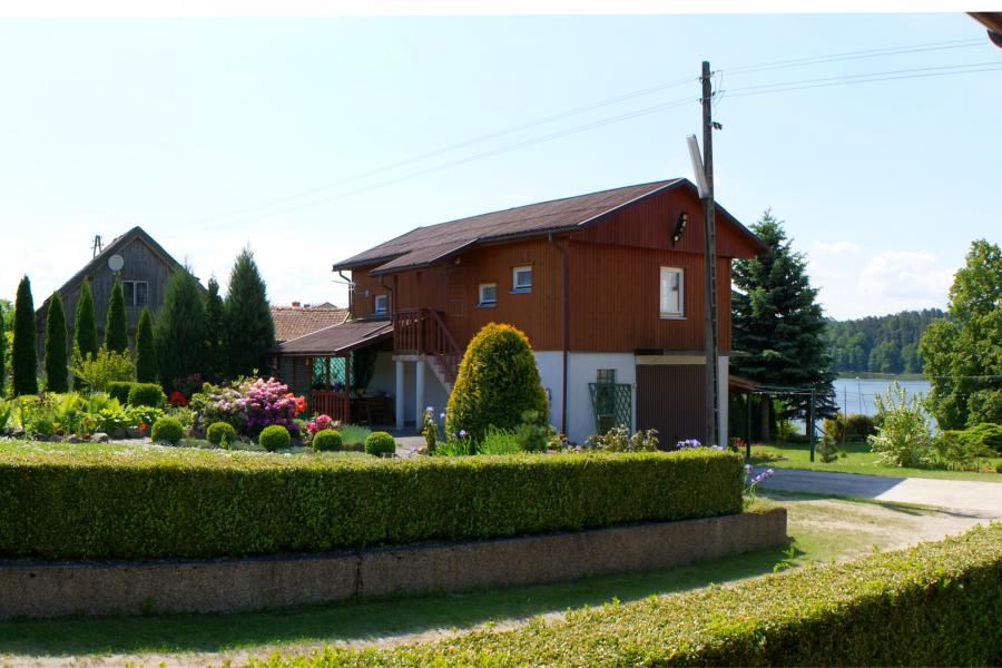 Domki w Mikołajkach, domek nr.1, widok z tarasu